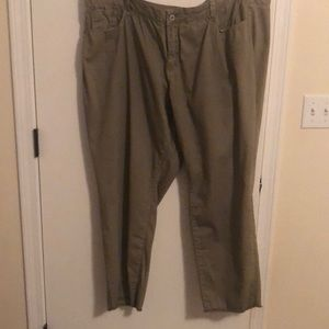 Olive green mid rise skinnies
